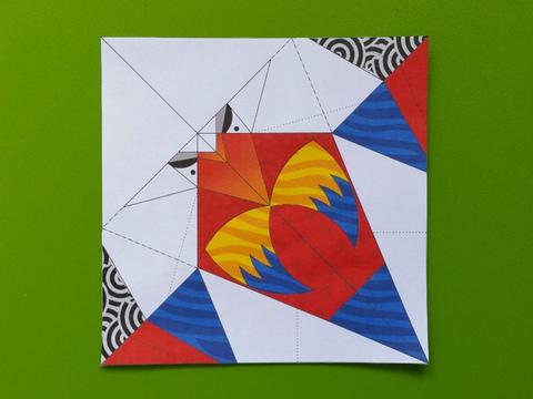 Modèle de perroquet en origami colorié